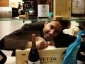 Dégustation en présence d'Enrico Rivetto, vigneron italien à Serralunga d'Alba dans le Piémont...