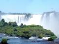 Les chutes d'Iguaçu, l'une des sept merveilles de...