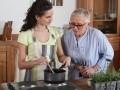 L'aide ménagère à domicile pour les personnes âgées...